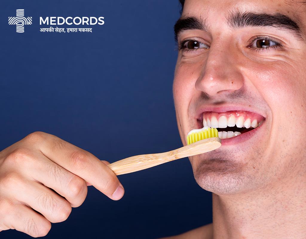 ब्रश करने के इन 10 तरीको को अपना, आप भी अपने दांतों को चमकाएं