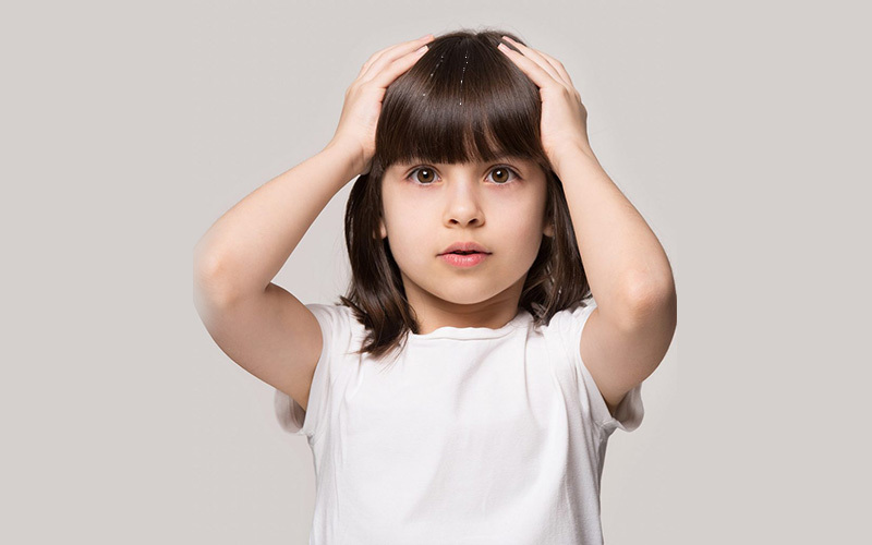 बाल सफेद होने के कारण, उपाय, किस विटामिन की कमी से बाल होते है सफ़ेद जानें
