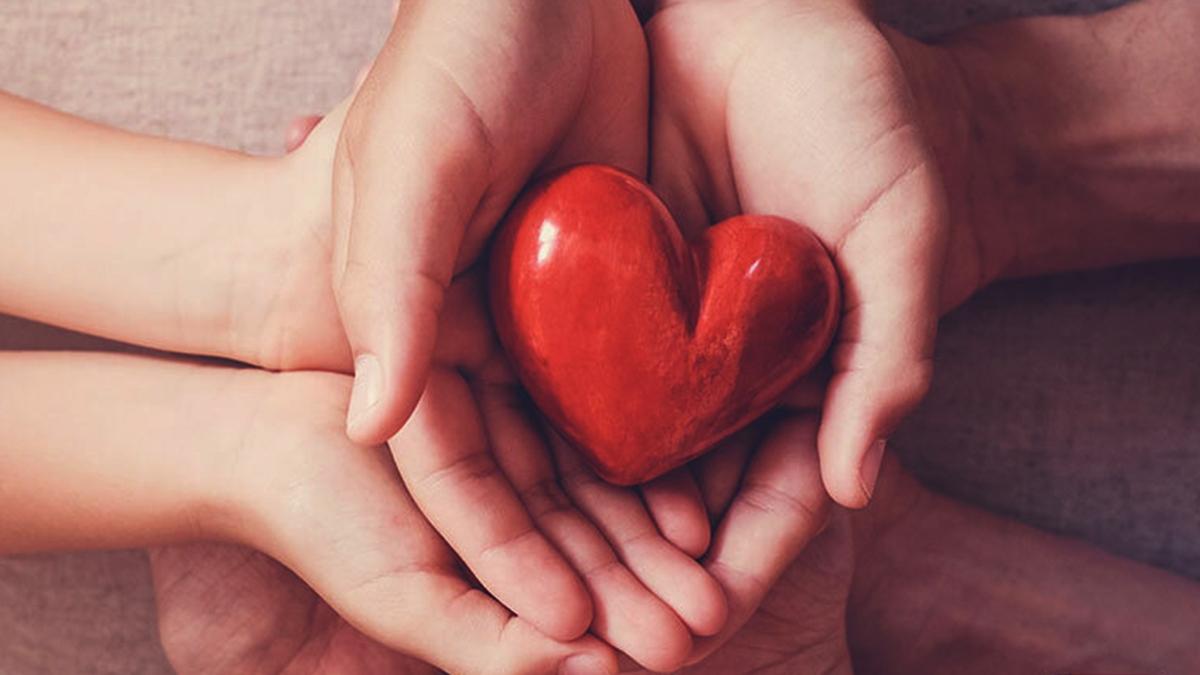 दिल को स्वस्थ रखने के 7 सरल उपाय | Daily Health Tip | Aayu App
