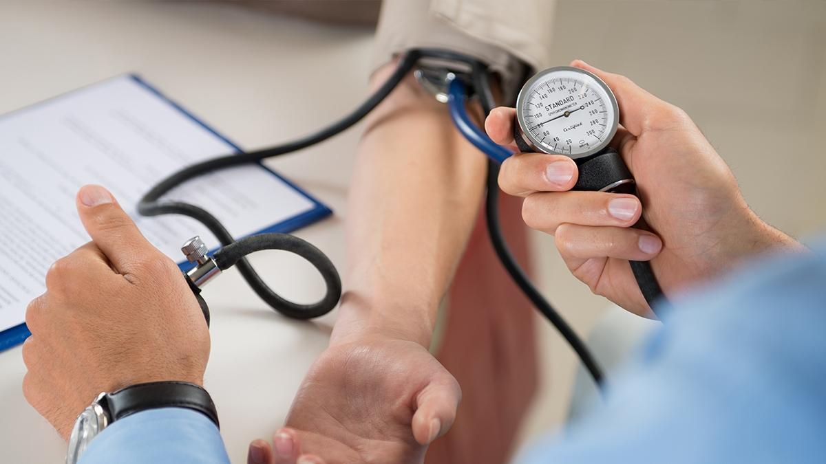 High blood pressure: ब्लड प्रेशर की जांच कब और कितनी बार करानी चाहिए? जानें हाई ब्लड प्रेशर डाइट