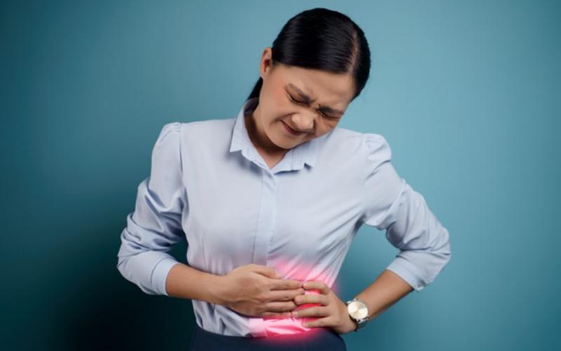 Kidney stone symptoms in women in hindi: महिलाओं में ये लक्षण दिखें तो हो सकती है पथरी की समस्या