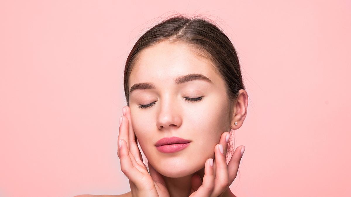इन 6 ग्लोइंग स्किन के उपाय से कुछ ही दिनों में आएगा चेहरे पर निखार