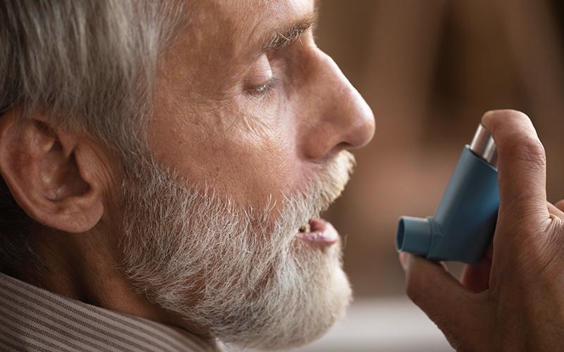अस्थमा अटैक के शुरुआती लक्षण और बचाव के उपाय