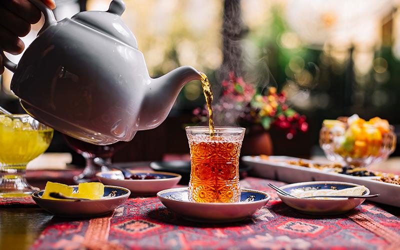 दूध के बजाय गर्मियों में पिएं ये 5 तरह की फ्लेवर्ड चाय, पाचन क्रिया होगी दुरुस्त